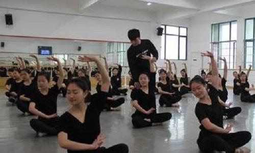 武汉市东西湖职业技术学校学前教育专业