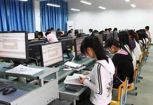 武汉市东西湖职业技术学校计算机应用专业