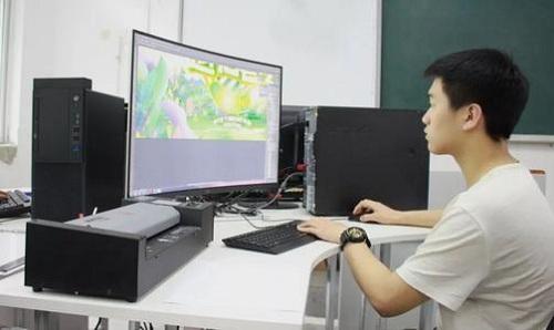 武汉市东西湖职业技术学校计算机平面设计专业