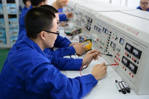 武汉市仪表电子学校机电技术应用专业