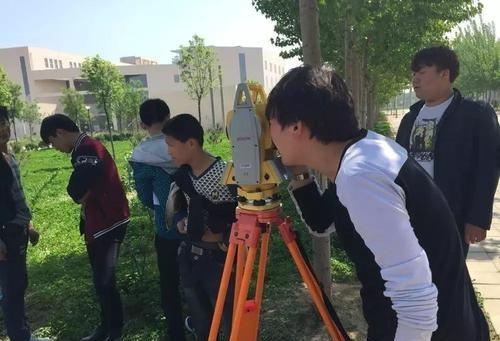 武汉建设学校建筑工程施工专业