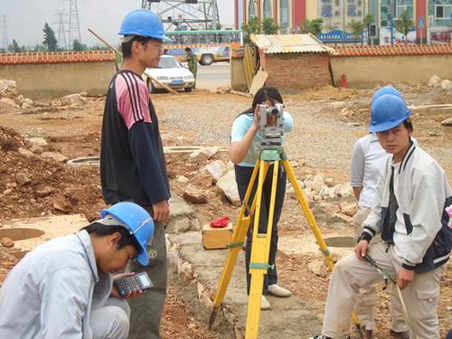 武汉市建设学校市政工程施工专业