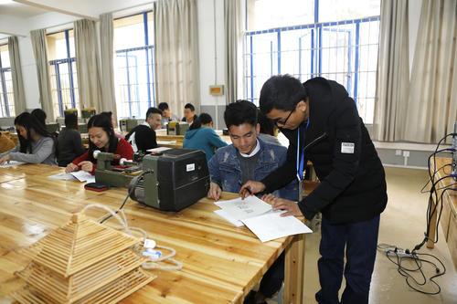 武汉市建设学校建筑装饰专业