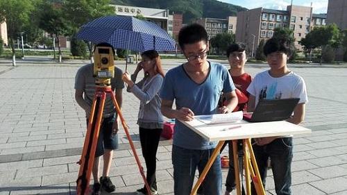 武汉铁路桥梁学校工程造价专业