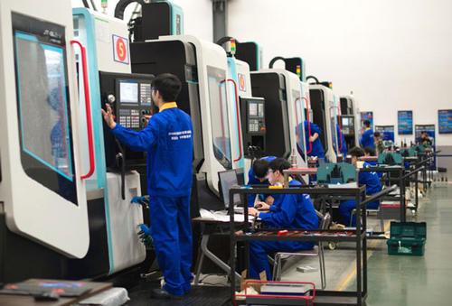 武汉市第一轻工业学校数控多轴加工专业
