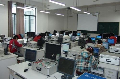 武汉涉外技工学校电子技术应用专业