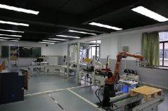武汉市仪表电子学校实训室